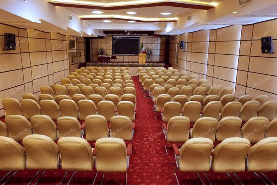 عکس سالن سالن آمفی تئاتر هتل بادله 3151