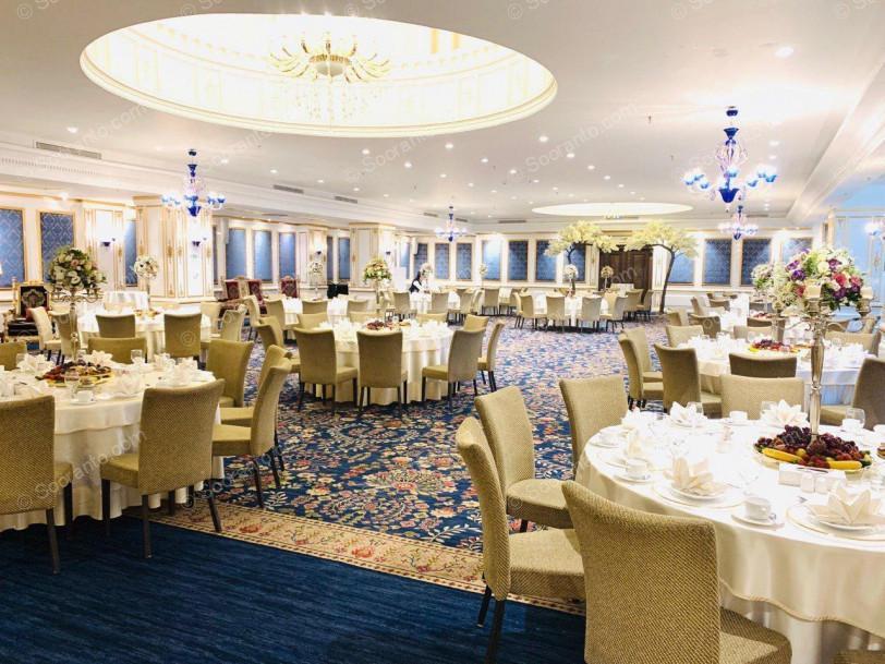 عکس سالن تالار ایوان هتل اسپیناس پالاس 4852